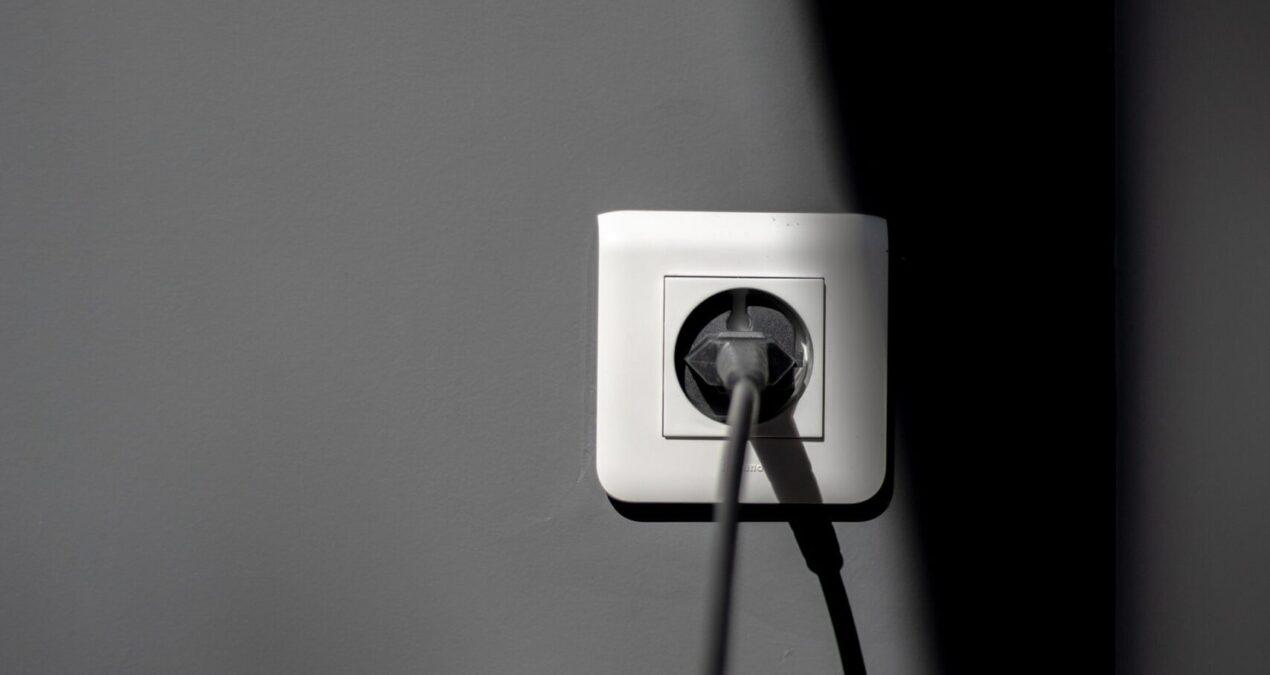 Inwerterowy agregat prądotwórczy doskonałym pomysłem na zasilanie w plenerze